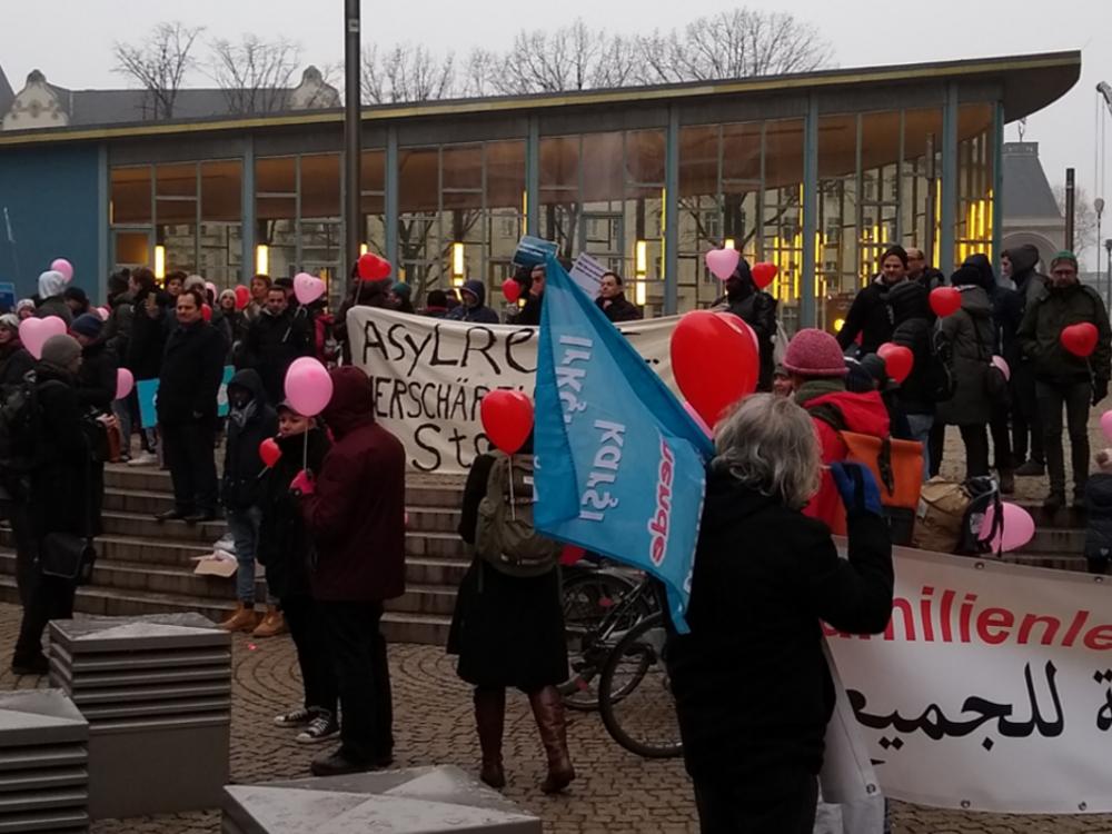 02.02.2019 Berlin: Auftaktkundgebung am Tränenpalast Demonstration für Familiennachzug und Grundrechte für Alle